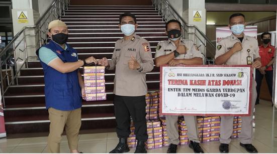 Sedekah Kreatif Salurkan Ratusan Makanan Sehat Untuk Para NAKES di RS Sekitar Jakarta.